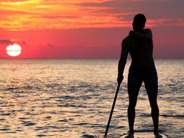 Tips for Paddleboarding at Night